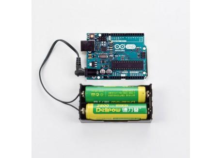 Base para baterías 2x18650 con conector jack