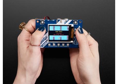 Adafruit PyBadge para CircuitPython y Arduino
